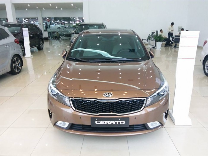 Kia K3 1.6 MT (Số sàn) đủ màu hỗ trợ trả góp 80% giá trị xe, giao xe ngay . 1