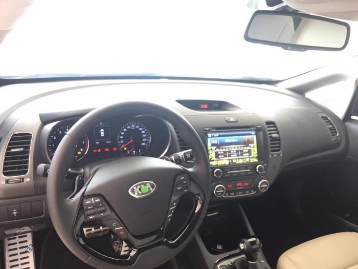 Kia Cerato 1.6 AT (Số tự động)  đủ màu hỗ trợ trả góp 80% giá trị xe, giao xe ngay .