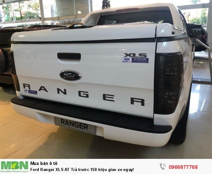Ford Ranger XLS AT Trả trước 150 triệu giao xe ngay tại Gia Định Ford 4