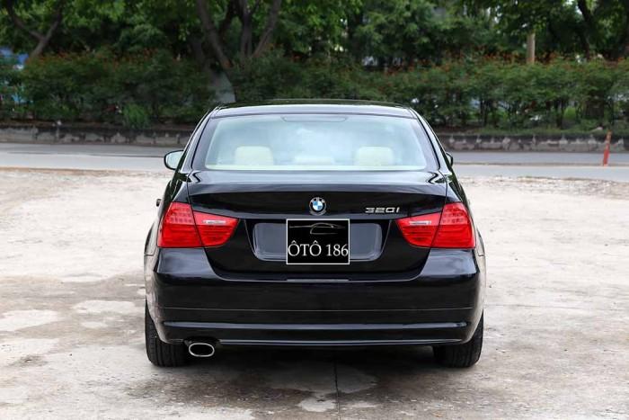 BMW 320i model 2010 28