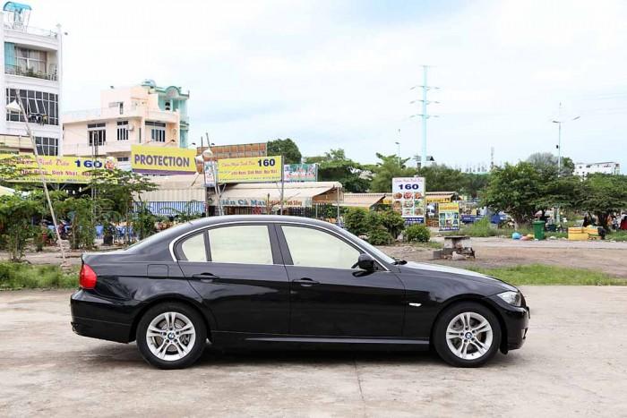 BMW 320i model 2010 17