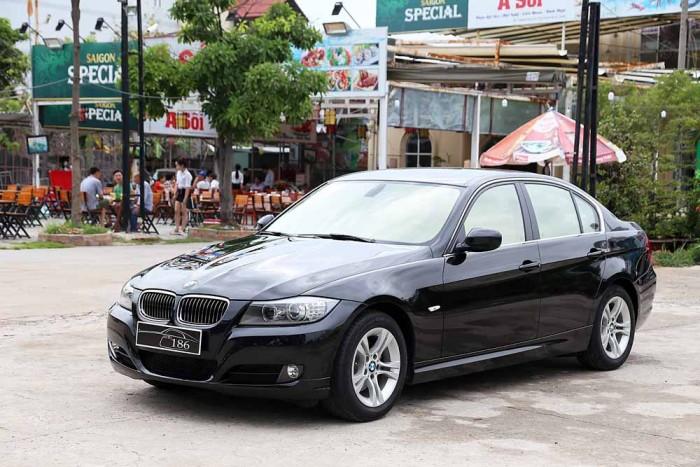 BMW 320i model 2010 13