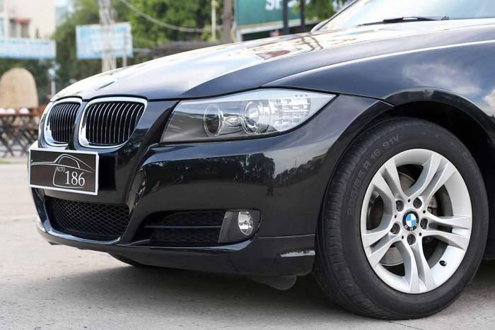 BMW 320i model 2010 5