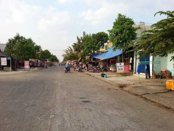Bán gấp lô đất 630m2(21x30m) đối diện chợ, tiện KD buôn bán