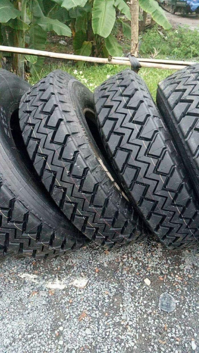 Lốp dán 11r20 , 12r20 dùng cho xe tải và xe container