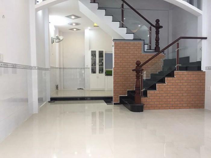 Bán Nhà HXH CMT8, DT: 3.8x9m, 3 Lầu, Q.10.