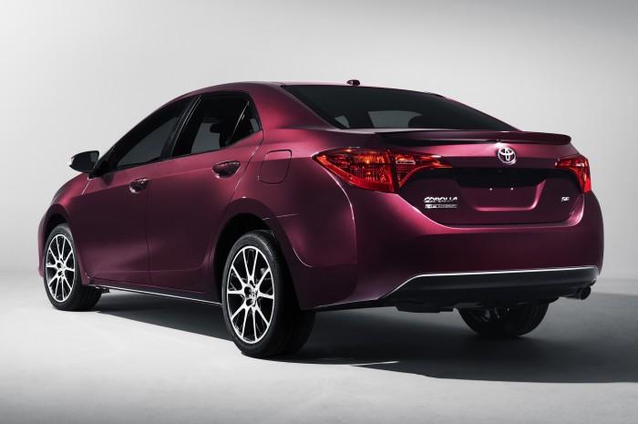 Corolla Altis 1.8 G số tự động hỗ trợ trả góp lên tới 80%