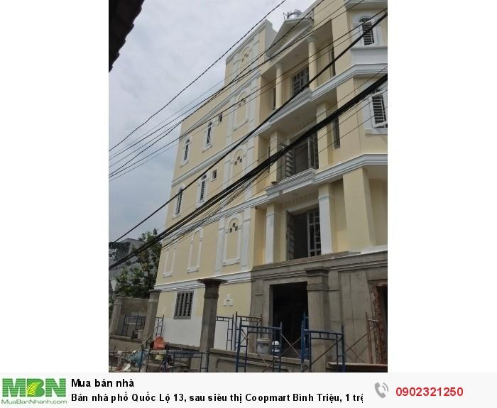 Bán nhà phố Quốc Lộ 13, sau siêu thị Coopmart Bình Triệu, 1 trệt 3 lầu, gara ô tô, đường 8m