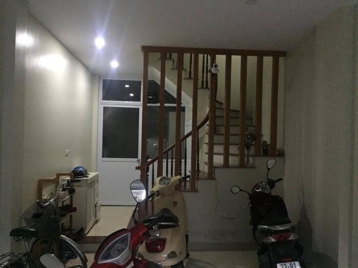 Nhà Nguyễn Trãi 45m2x5tầng, mặt tiền 3.6m.