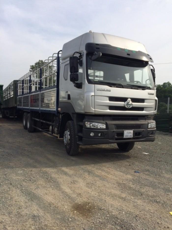Xe tải thùng 3 chân Chenglong