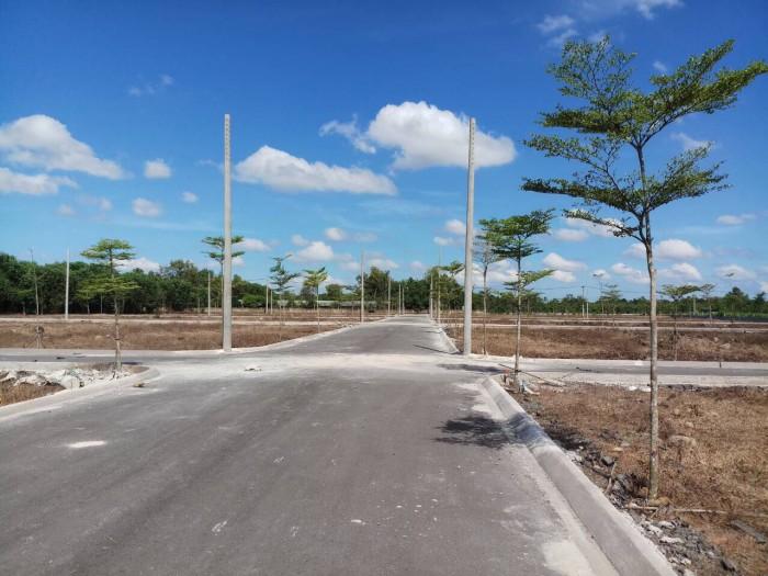 Bán đất ngay sân bay quốc tề Long Thành, giá 1,2 tr/m2, sổ đỏ từng nền, đường nhựa 8m.