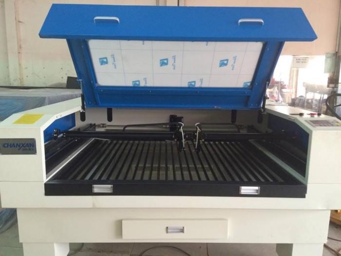 Máy Laser chuyên cắt chữ quảng cáo và thiết kế nội thất 13905