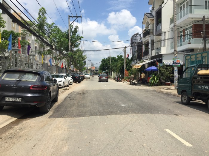 Nhà mặt tiền đường 16m - tiện KD - Buôn Bán -Thương Mại  (30% căn nhà )