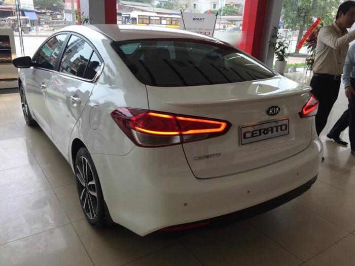 Bán xe Kia K3 đủ màu- hỗ trợ trả góp 80% giá trị xe, giao xe ngay . 3