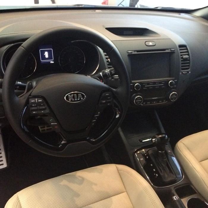 Bán xe Kia K3 đủ màu- hỗ trợ trả góp 80% giá trị xe, giao xe ngay . 0