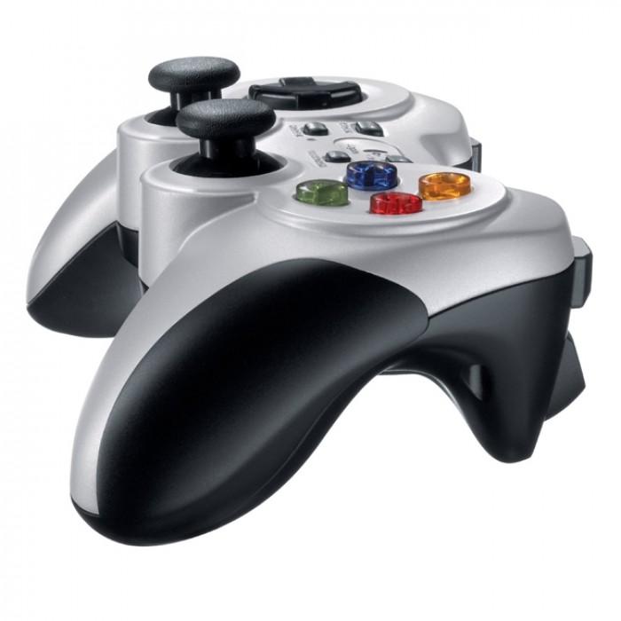 Tay cầm chơi game không dây Logitech F710