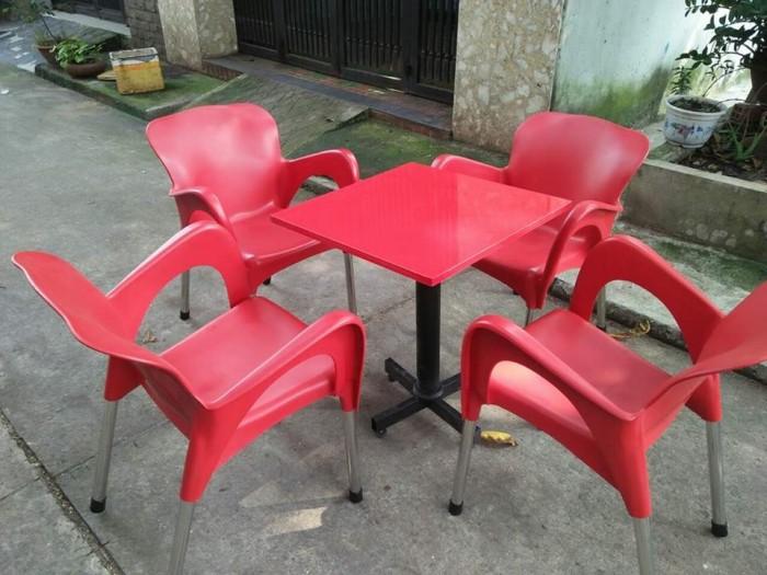 Cần thanh lý gấp 70 bộ ghế nhựa cafe chân inox mới 90%
