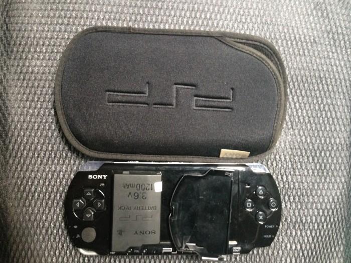 cần bán máy chơi game cầm tay psp 3006