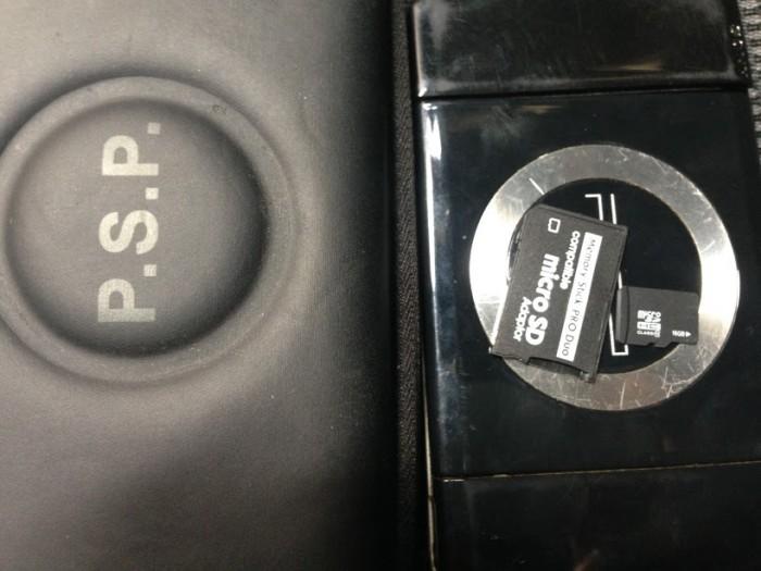 Cần bán máy chơi game cầm tay psp 2001