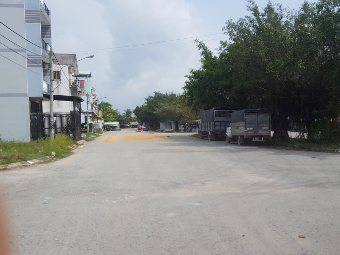 Bán đất mặt tiền ngay vòng xoay quốc lộ N2 , Dtich 5x20