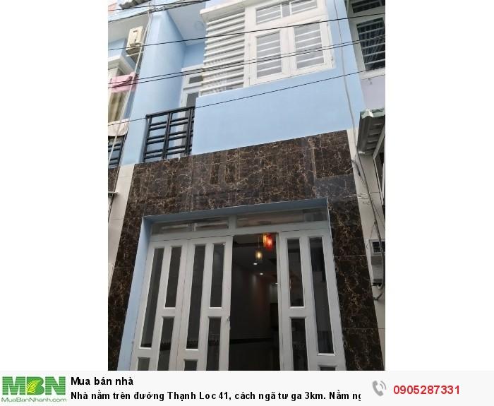 Nhà nằm trên đường Thạnh Loc 41, cách ngã tư ga 3km. Nằm ngay trung tâm Thạnh Lộc