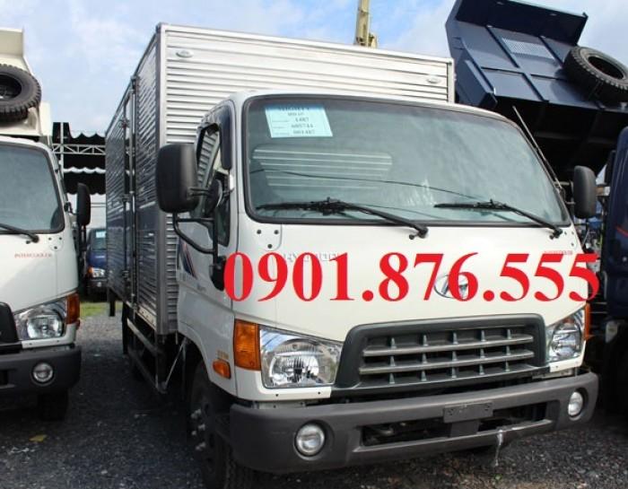 Bán xe tải Hyundai 1T65 thùng kín gắn bửng nâng-tặng 100% phí trước bạ.