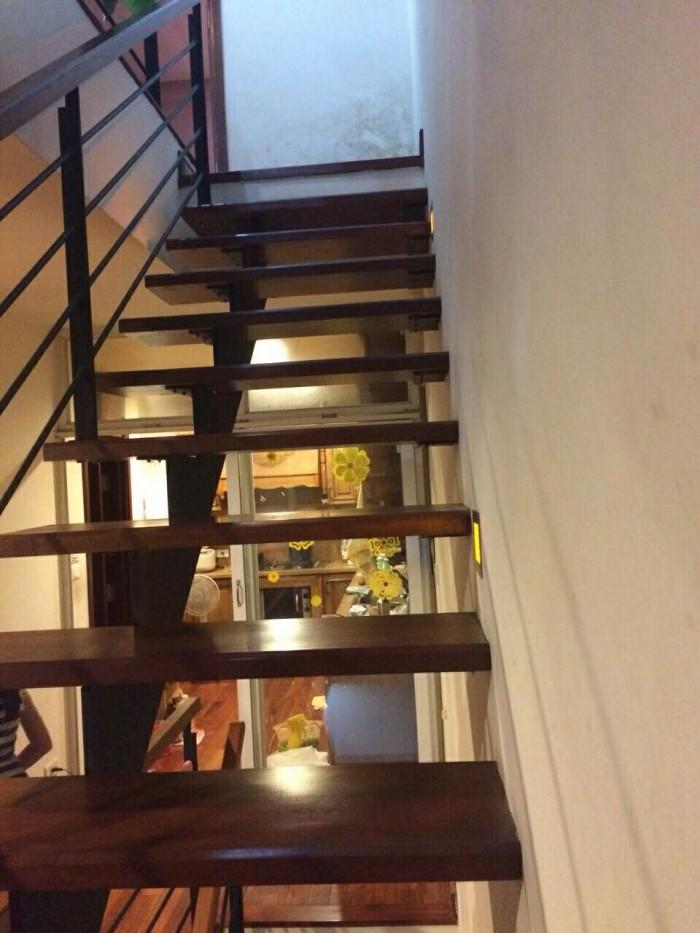 Bán nhà 5 tầng ở Lạc Long Quân ô tô vào nhà