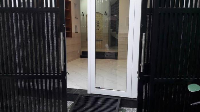 Cho thuê Nhà NC Nguyễn Chí Thanh, DT: 4x18m, 3 Lầu, 8 Phòng, Q.5.