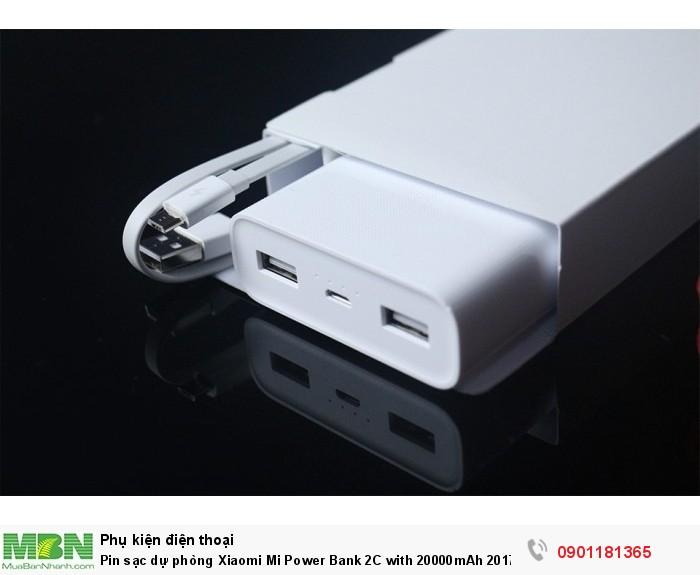 2 USB đầu ra giúp bạn có thể sạc cùng lúc 2 thiết bị1