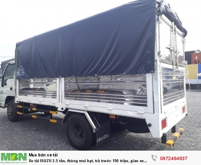 Xe tải ISUZU 2.5 tấn, thùng mui bạt, trả trước 150 triệu, giao xe ngay