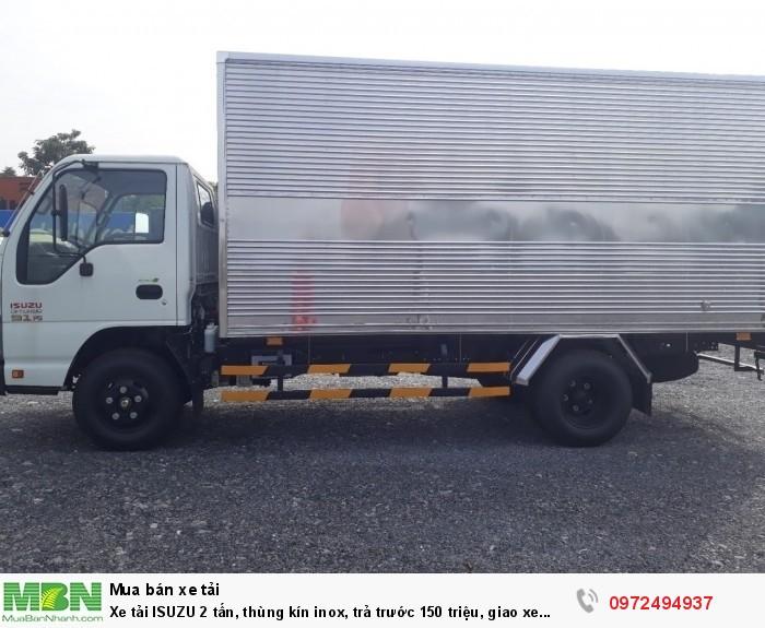 Xe tải ISUZU 2 tấn, thùng kín inox, trả trước 150 triệu, giao xe ngay
