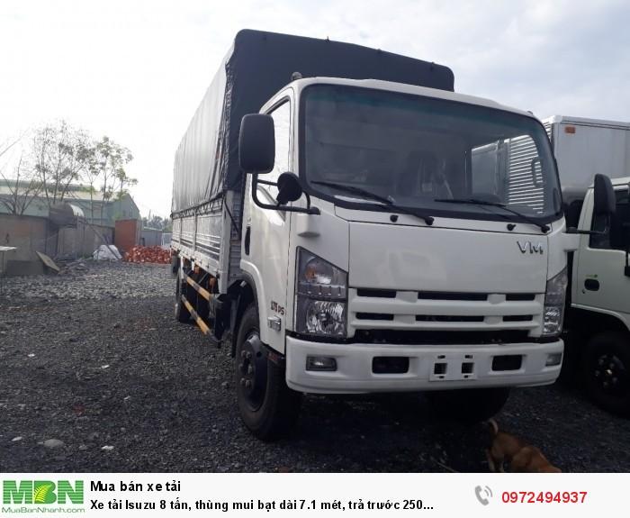 Xe tải Isuzu 8 tấn, thùng mui bạt dài 7.1 mét, trả trước 250 triệu, giao xe ngay
