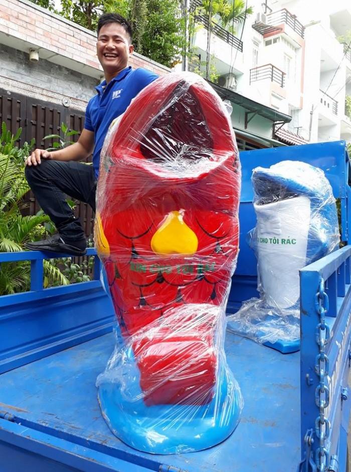 Thùng rác nhựa cá heo