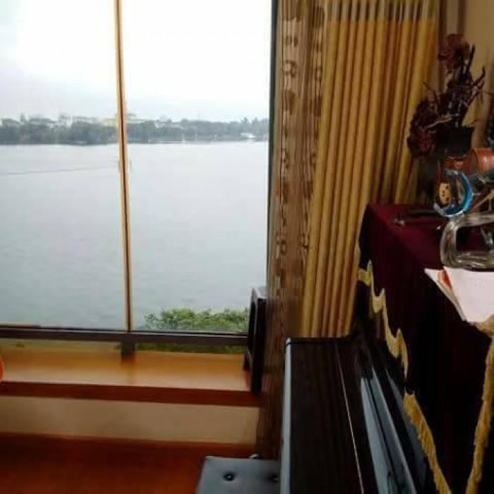 Bán nhà mặt Hồ Tây - Làng Yên Phụ, dt 33m2, view Hồ Tây