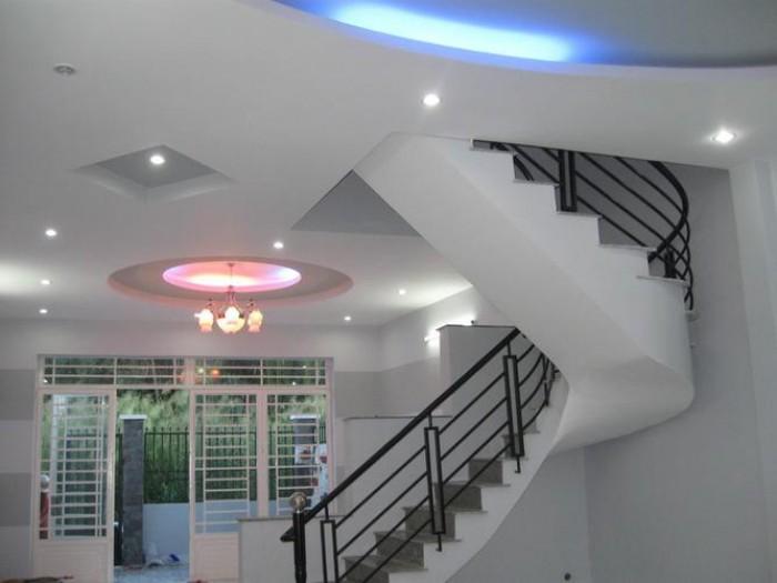 Bán ngay Biệt thự Tân Bình, 100m2, 3 tầng, đường nội bộ 7m