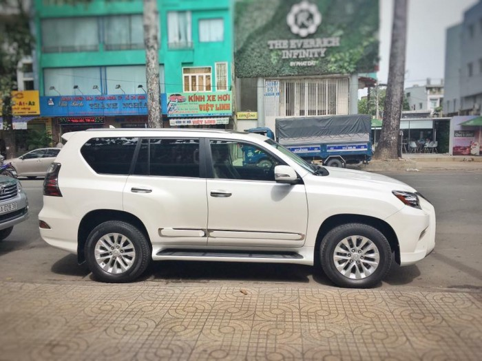 Bán xe Lexus GX 460 2013, ĐK lần đầu 2015, màu trắng, Có hỗ trợ vay ngân hàng. 4