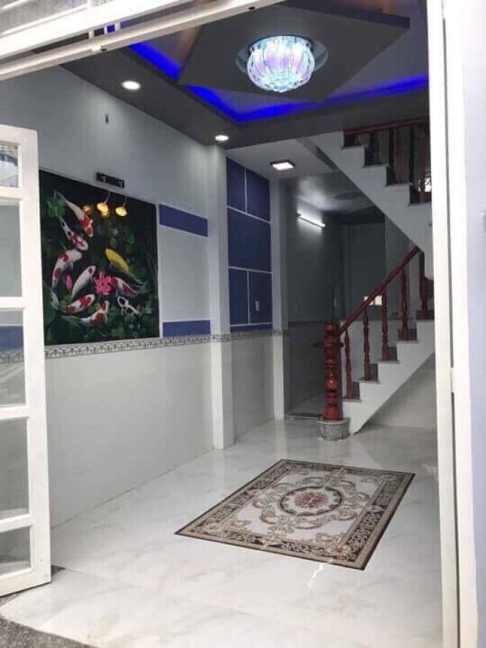 Nhà cần bán gấp TCH08, dt;3,2m x 9m 2 lầu.3pn-2wc