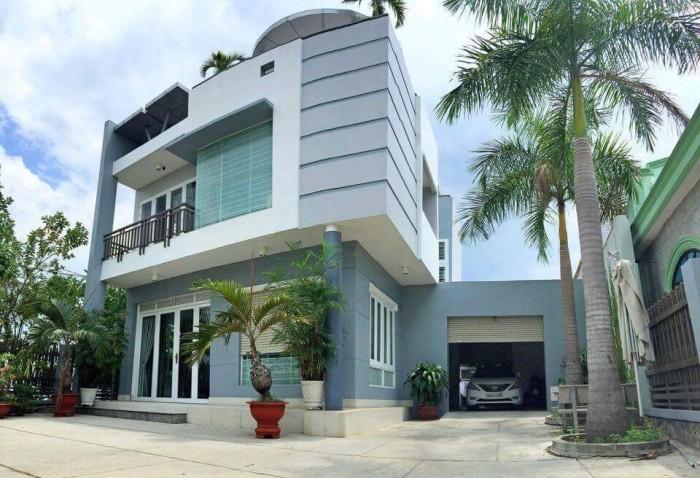 Định cư nước ngoài cần bán gấp biệt thự ngay thị trấn Long Thành, Giá 7,8 tỷ (có TL)