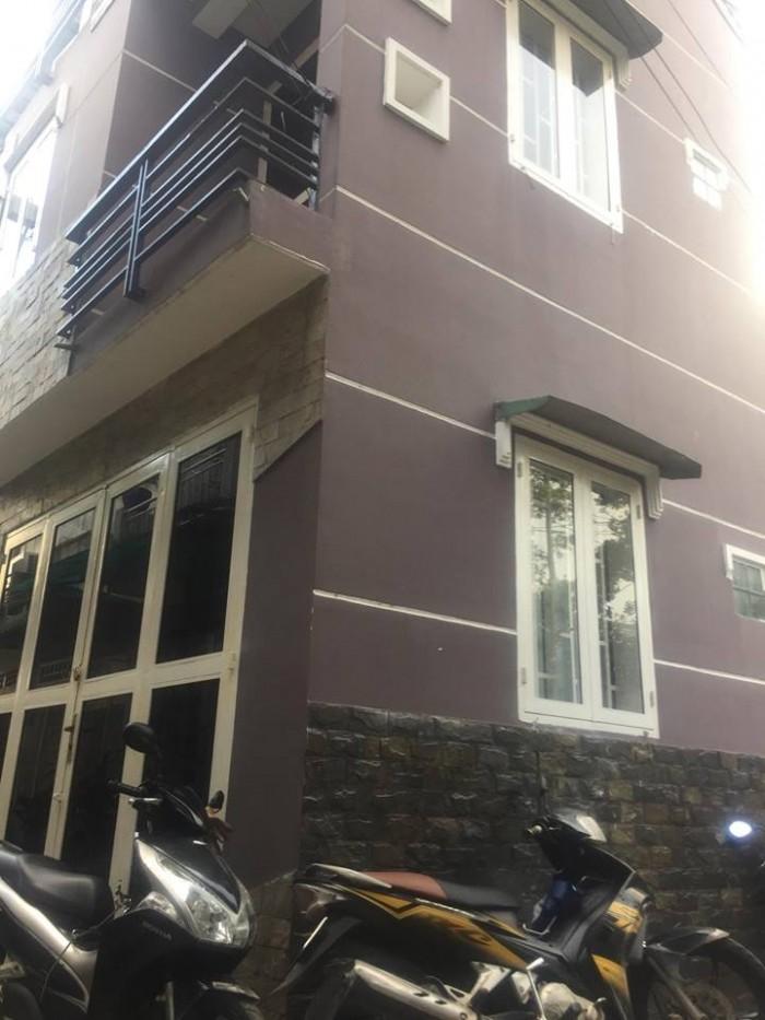 Tôi cần bán căn nhà, 2 lầu,1 trệt trên đường Võ Văn Ngân,nhà mới