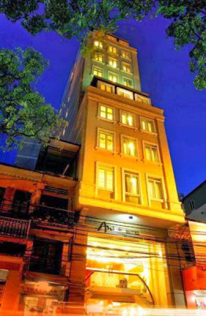 Bán khách sạn Hoàng Đạo Thúy. Dt 250m2, 9T, đang cho thuê 2,5 tỷ/ năm
