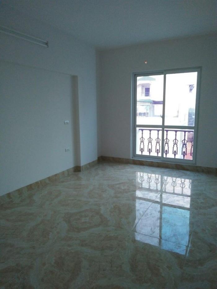 Cần bán nhà ở chính chủ , 5 tầng 30m2 tại Bát Khối