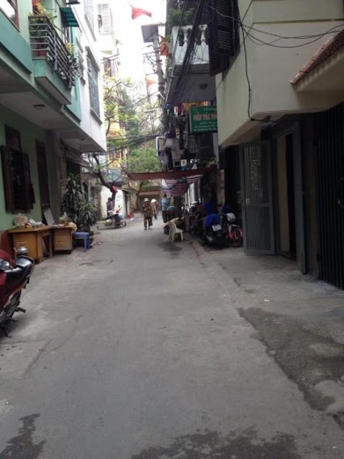 Bán nhà đường Trần Duy Hưng, 40m2 x 5 tầng, không gian thoáng mát.