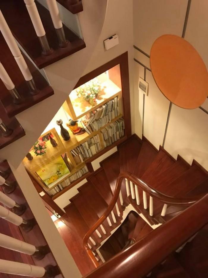 Mặt phố Hào Nam 55m x 6 tầng thang máy, thông sàn, KD buôn bán sầm uất.