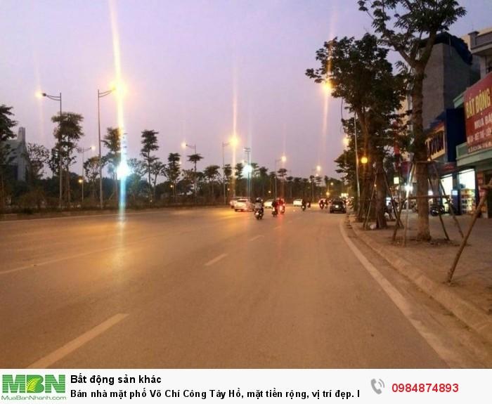 Bán nhà mặt phố Võ Chí Công Tây Hồ, mặt tiền rộng, vị trí đẹp