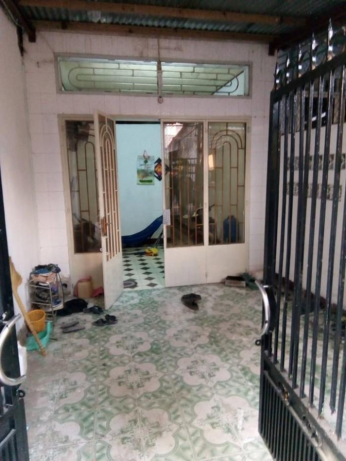 Nhà cấp 4 gần vòng xoay Tân Phong