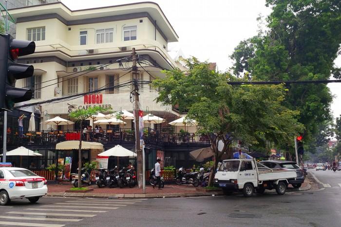 Bán nhà mặt phố Tôn Đức Thắng kinh doanh đỉnh. ô tô qua lại