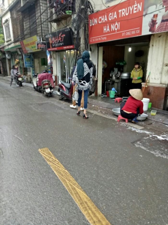 Nhà bán MẶT PHỐ sổ đỏ chính chủ 40m2, mặt tiền hơn 6m, Kim Mã.