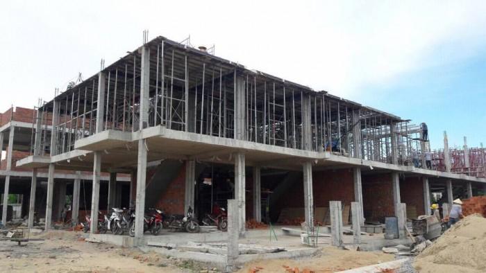 Nhà mặt tiền thuận tiện kinh doanh buôn bán - Khu đô thị thương mại Quảng Ngãi chỉ TT với 650 triệu.