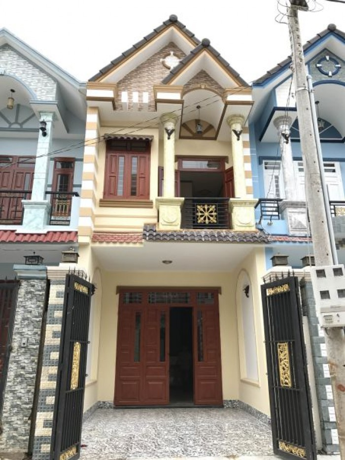Nhà Phố gần chợ Bình Chánh , dt 100m2 , hướng ĐB , Bình Chánh .