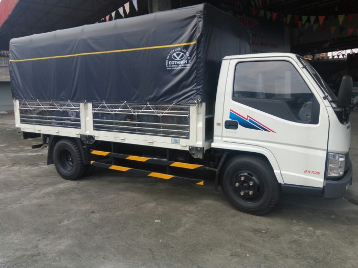 xe tải iz49 2,4 tấn hổ trợ vây